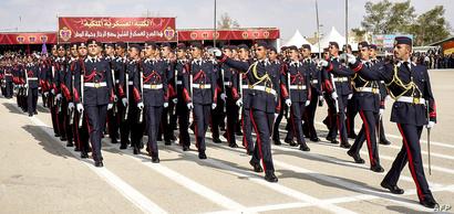 استعراض عسكري لقوات أردنية خاصة شرق عمان (فرسان المستقبل)