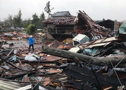 أدى الإعصار إلى تحطم العديد من المنازل في اليابان