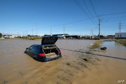 غرقت العديد من السيارات بسبب إعصار هاغبيس