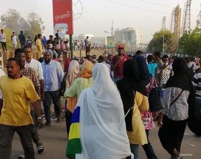 سودانيات يشاركن في الاحتجاجات