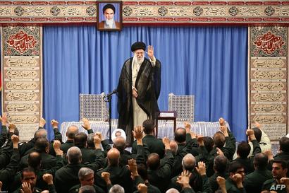 مرشد الثورة الإيرانية علي خامنئي أمام جمع من الحرس الثوري الإيراني - 2 أكتوبر 2019