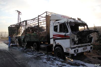 إحدى شاحنات المساعدات التي تعرضت للقصف في بلدة اورم الكبرى