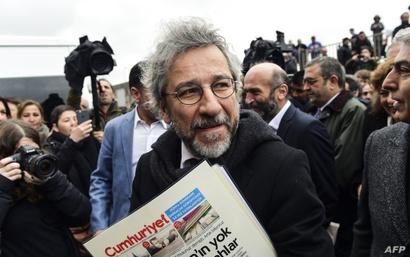 "رئيس تحرير صحيفة ""جمهورييت"" جان دوندار"