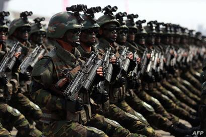 جنود من جيش كوريا الشمالية خلال عرض عسكري