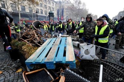 جانب من المواجهات في باريس