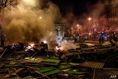 احتدام التظاهرات في العاصمة الفرنسية