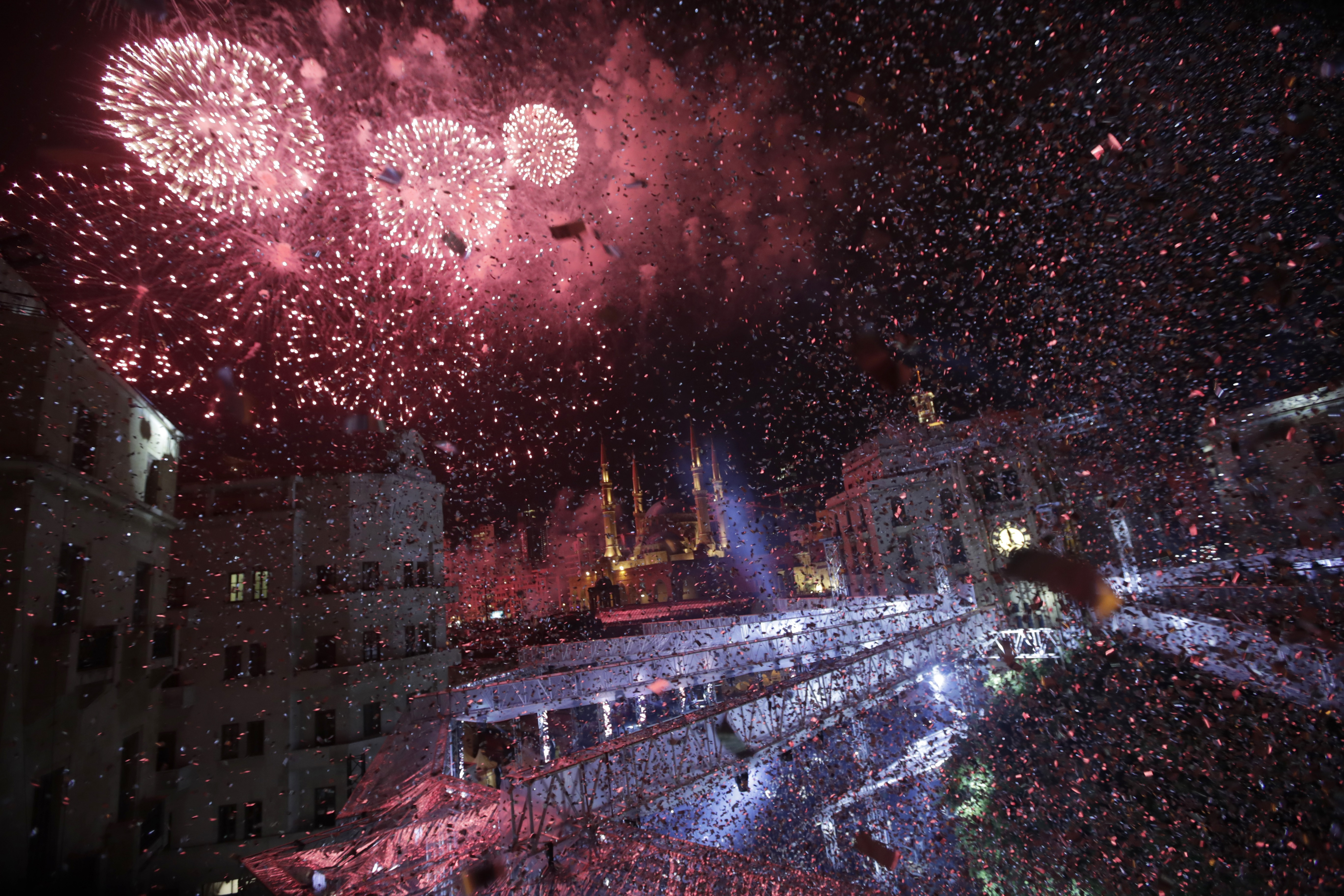 الألعاب النارية في بيروت