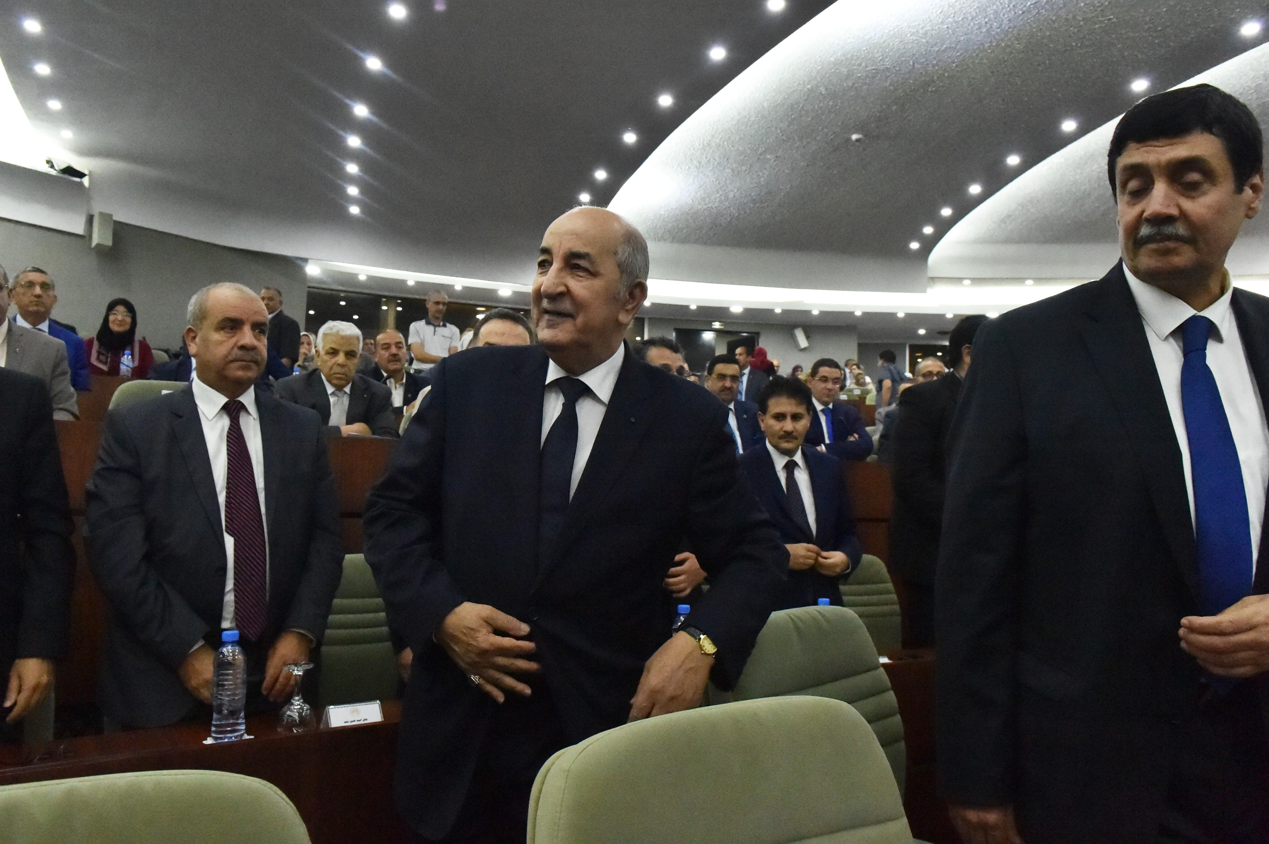 عبد المجيد تبون خلال جلسة بالبرلمان الجزائري