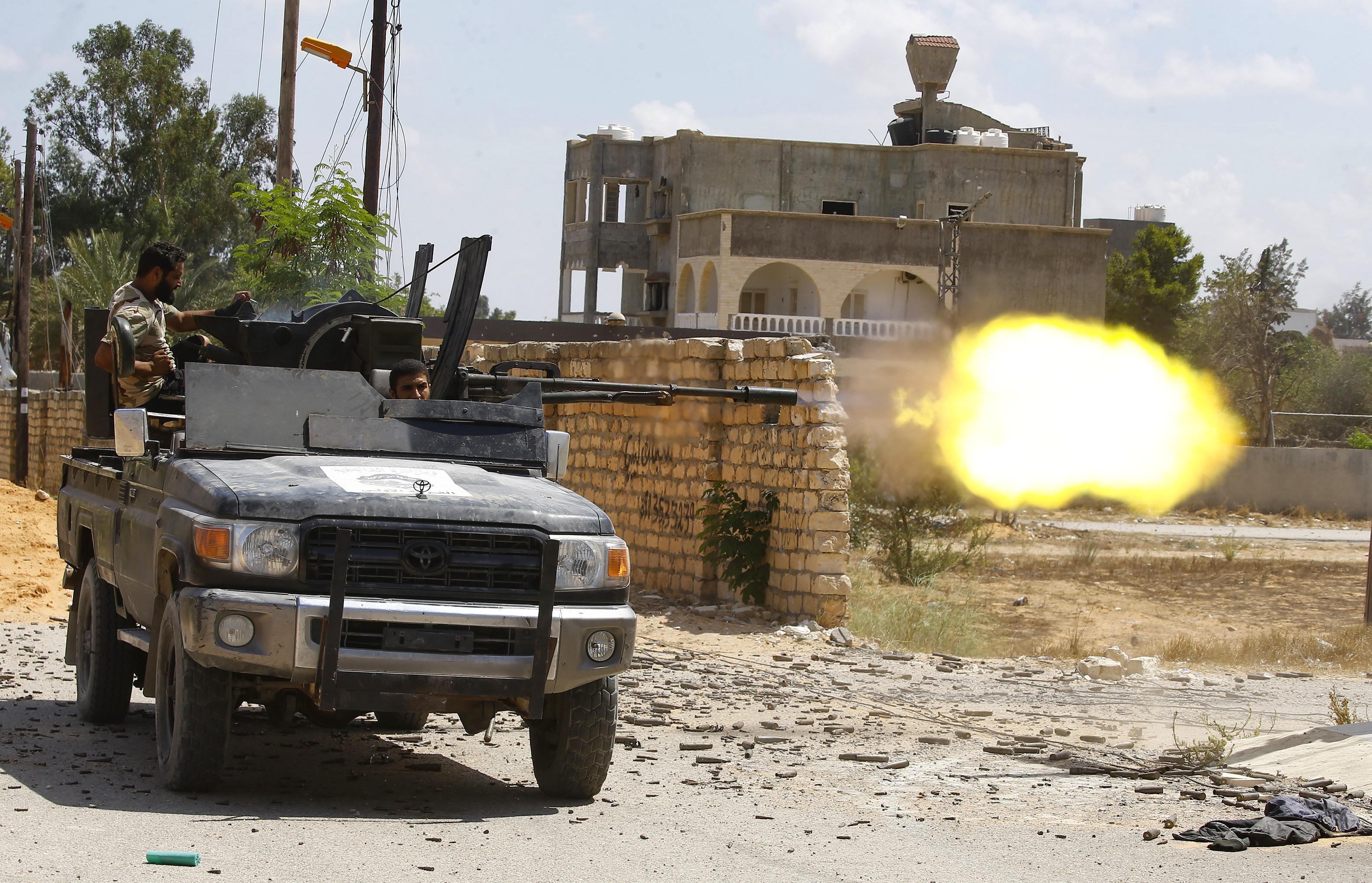 اشتباكات جنوب طرابلس - أرشيف