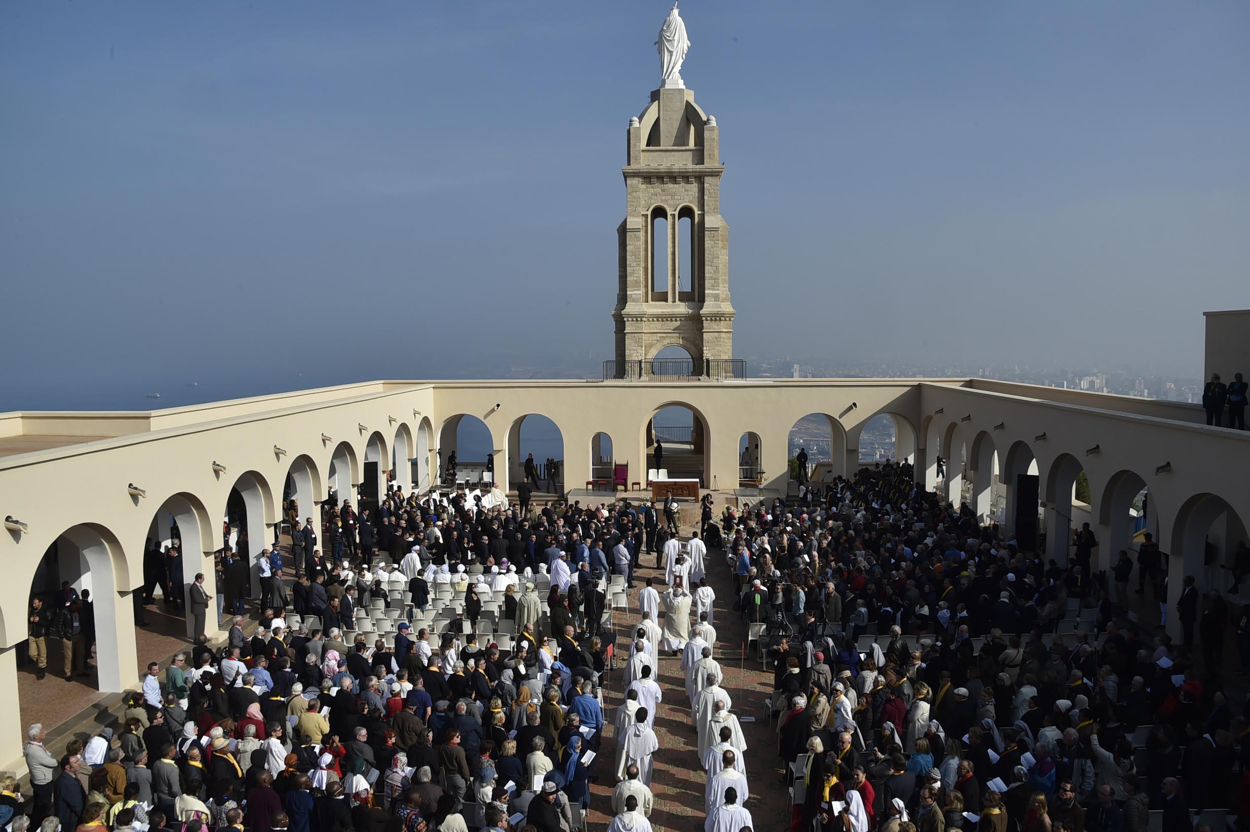 جانب من قداس تطويب 19 راهبا في وهران