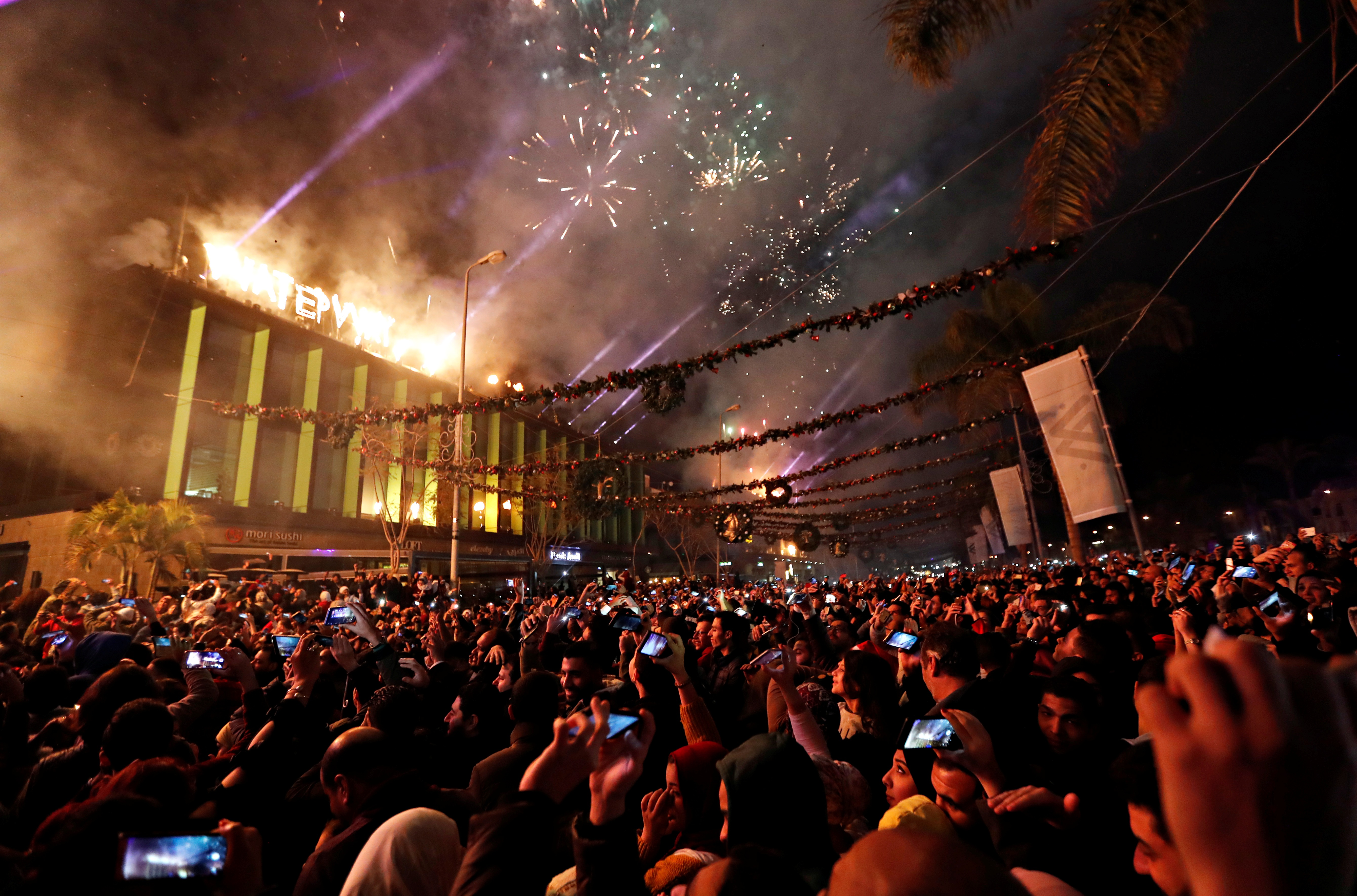 القاهرة تحتفل بسنة ميلادية جديدة