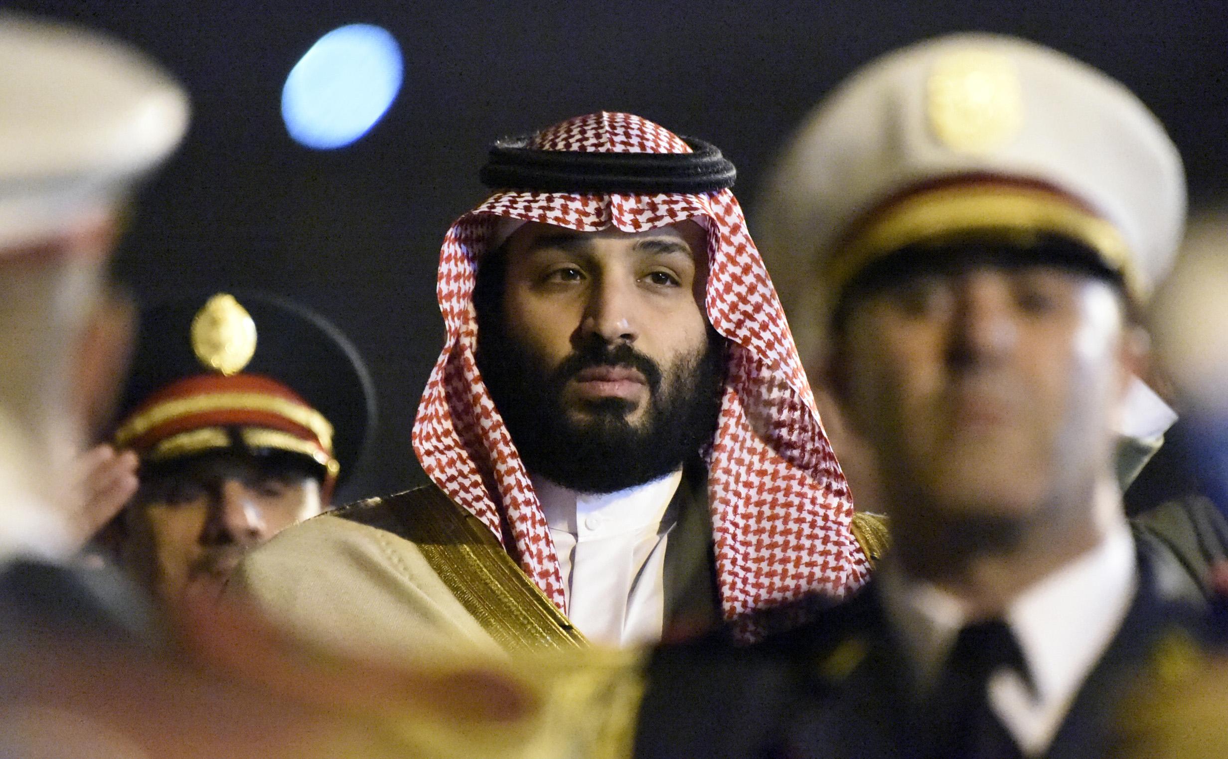 محمد بن سلمان يصل إلى الجزائر