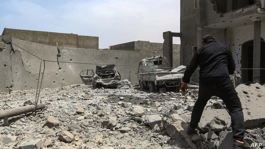 آثار قصف في جنوب طرابلس