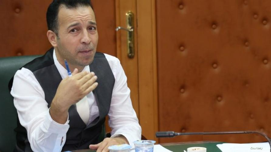 الصحفي الليبي رضا فحيل البوم