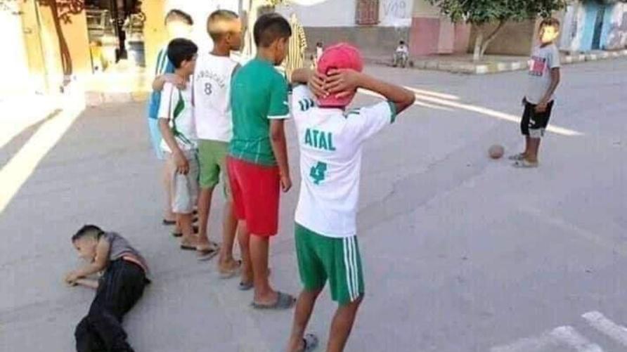 محاكاة هدف محرز في شوارع الجزائر
