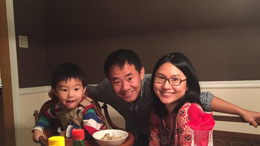 شيوي وانغ مع عائلته