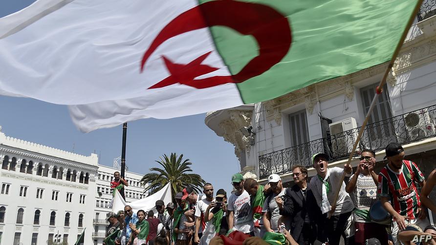 متظاهرون في الجزائر (أرشيف)