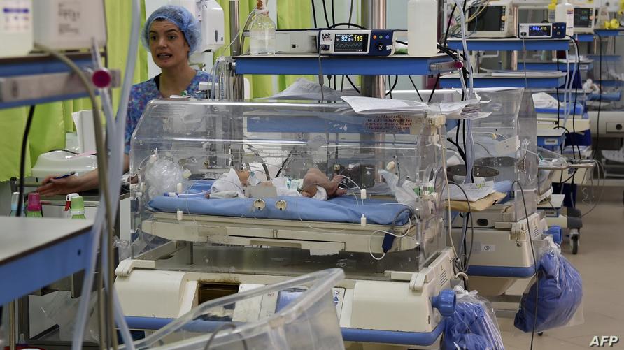 ممرضة داخل مستشفى الرابطة في تونس