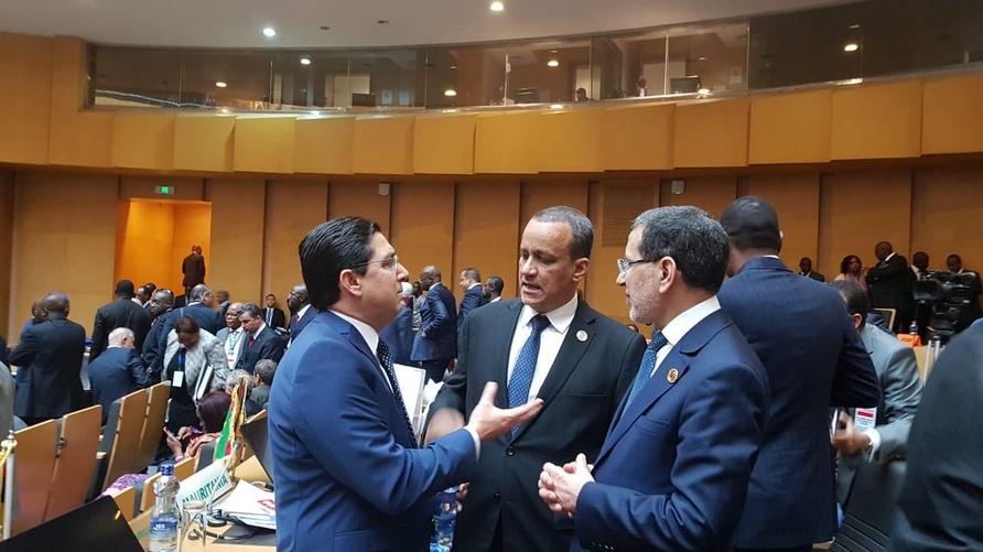 من اليمين إلى اليسار: رئيس حكومة المغرب ووزير الخارجية الموريتاني ونظيره المغربي