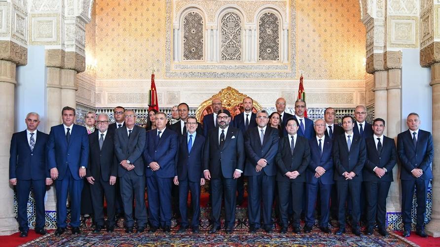 أعضاء الحكومة المغربية 'الجديدة' لدى استقبالهم بالقصر الملكي