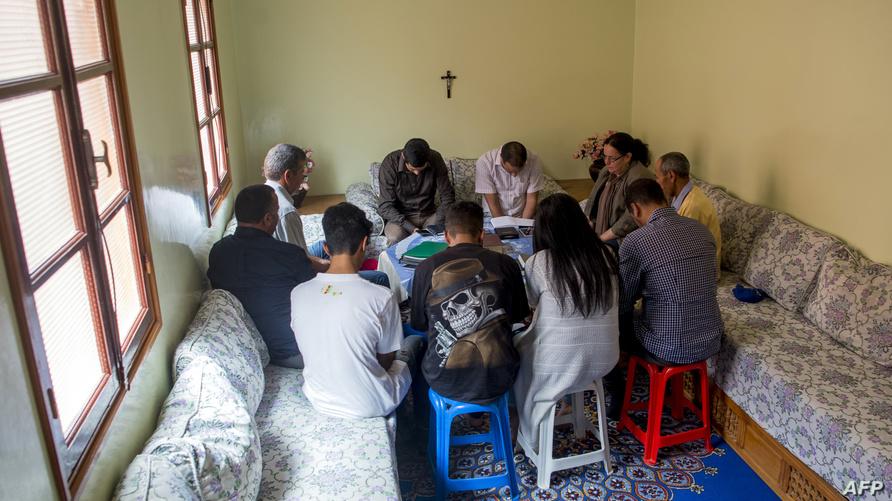 صلاة مسيحية في أحد المنازل المغربية (أرشيف)
