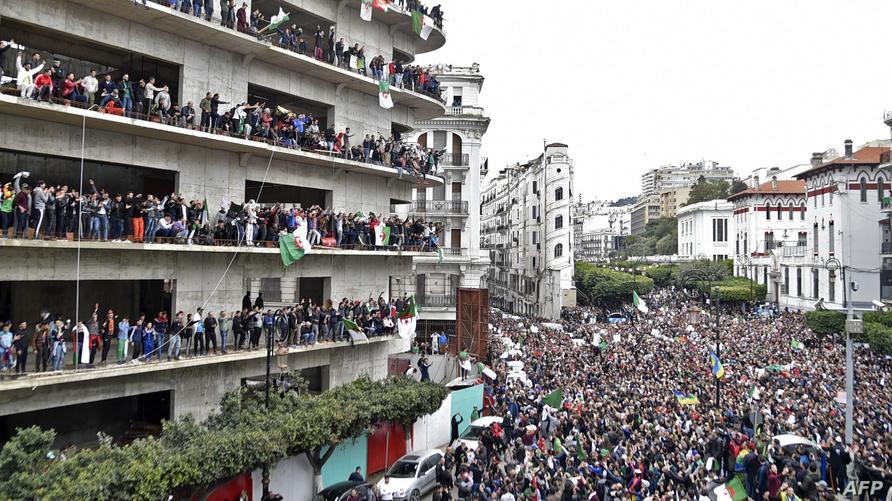من مظاهرات اليوم الجمعة بالعاصمة الجزائرية