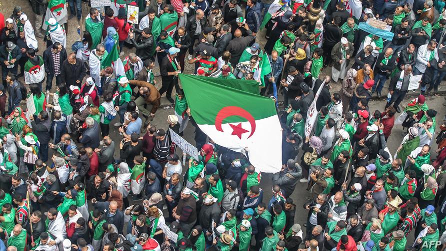 """جانب من احتجاجات """"الجمعة السابعة"""" في الجزائر العاصمة"""