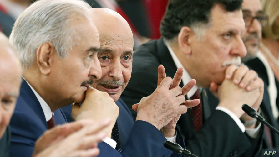 استمرار الخلاف بين حكومة الوفاق وحفتر ومجلس النواب يطول الأزمة الليبية