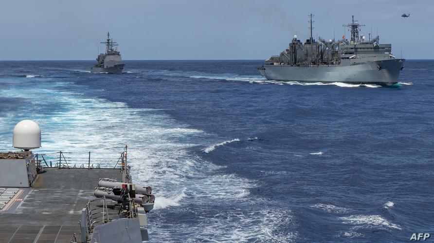طراد الصواريخ الموجهة الأميركي يو.اس.اس لاييت غلف في مياه الخليج - أرشيف