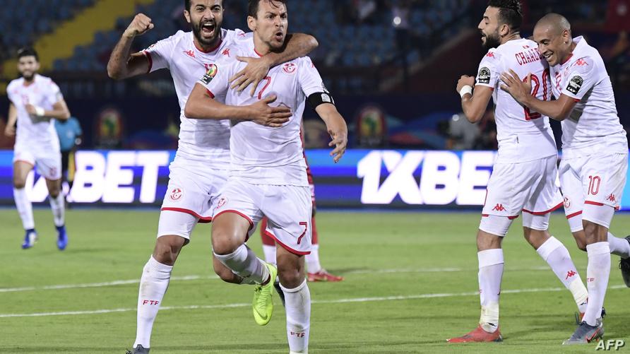 فرحة لاعبي المنتخب التونسي بعد تسجيل هدف في مرمى مدغشقر
