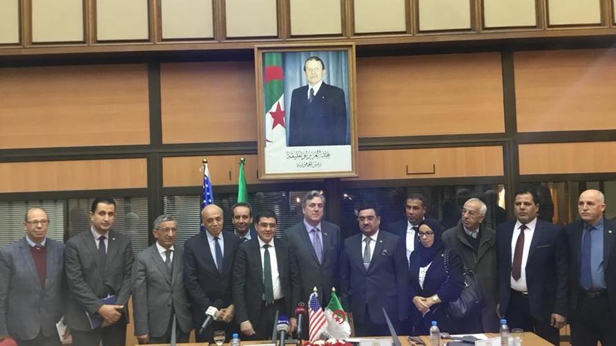 من حفل تنصيب مجموعة الصداقة الجزائرية الأميركية