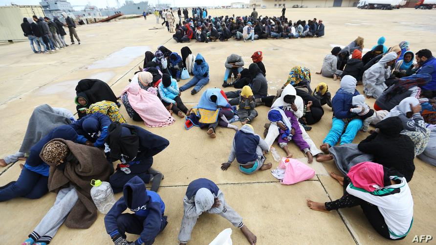 مهاجرون من أفريقيا جنوب الصحراء في ليبيا بينهم أطفال