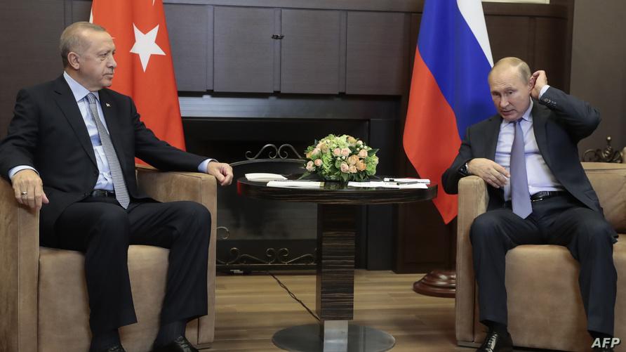 الرئيس الروسي فلاديمير بوتين رفقة الرئيس التركي رجب طيب أردوغان - أرشيف