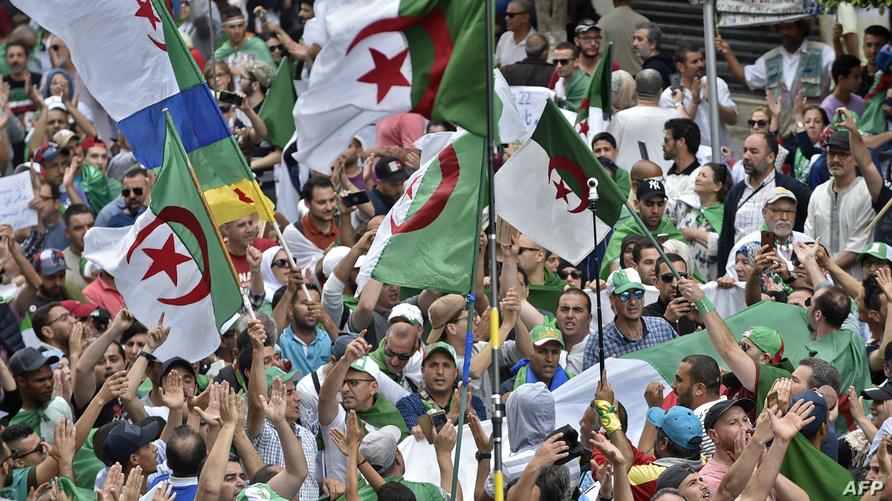 """جانب من احتجاجات """"الجمعة 14"""" في الجزائر العاصمة"""