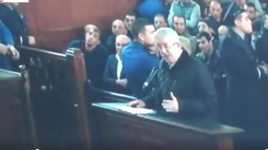 رئيس الوزراء السابق أحمد أويحيى أمام المحكمة