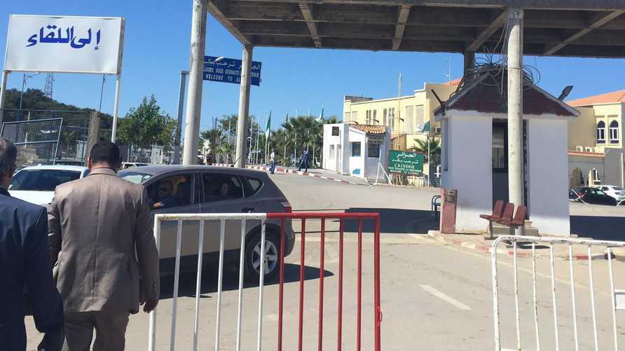 معبر حدودي بمحافظة جندوبة التونسية على الحدود مع الجزائر