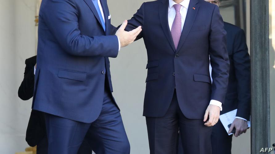 الرئيس الفرنسي يستقبل الشاهد