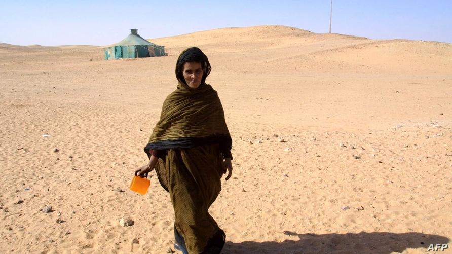 لاجئة صحراوية في مخيمات تندوف بالجزائر