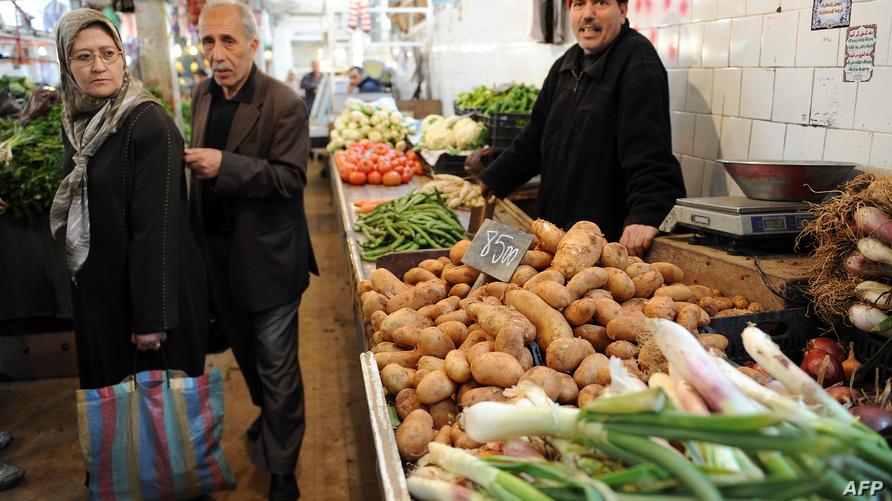 داخل أحد أسواق العاصمة الجزائرية (أرشيف)