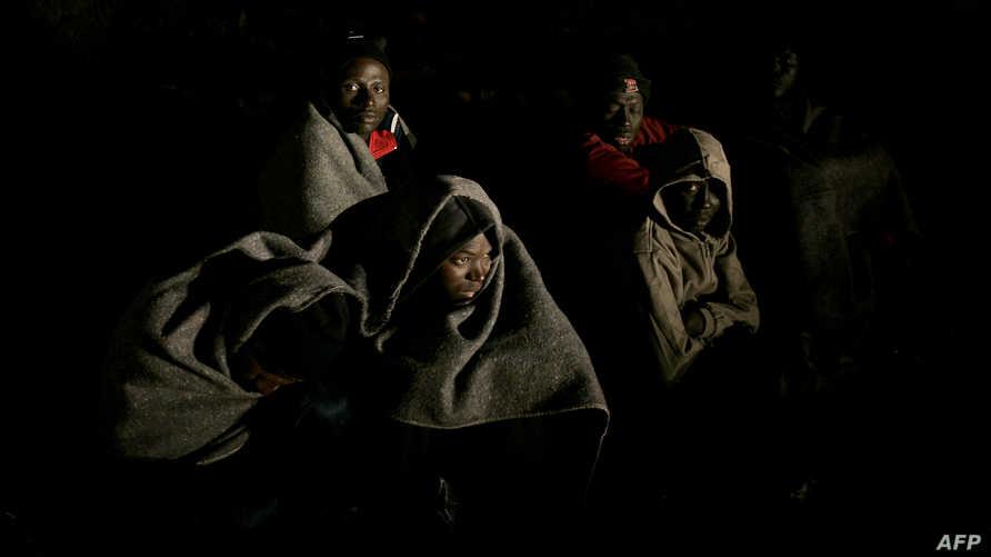 مهاجرون أفارقة تم توقيفهم أثناء محاولتهم الهجرة من موريتانيا إلى إسبانيا (2007)