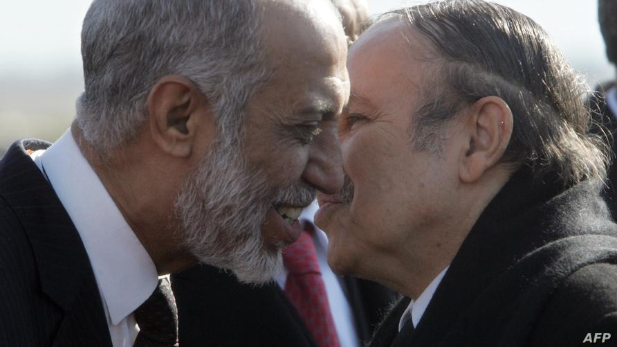 عبد العزيز بلخادم رفقة الرئيس بوتفليقة (2005)