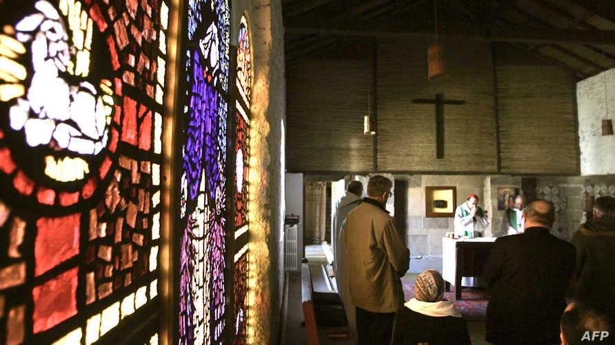 داخل كنيسة بالجزائر (أرشيف)