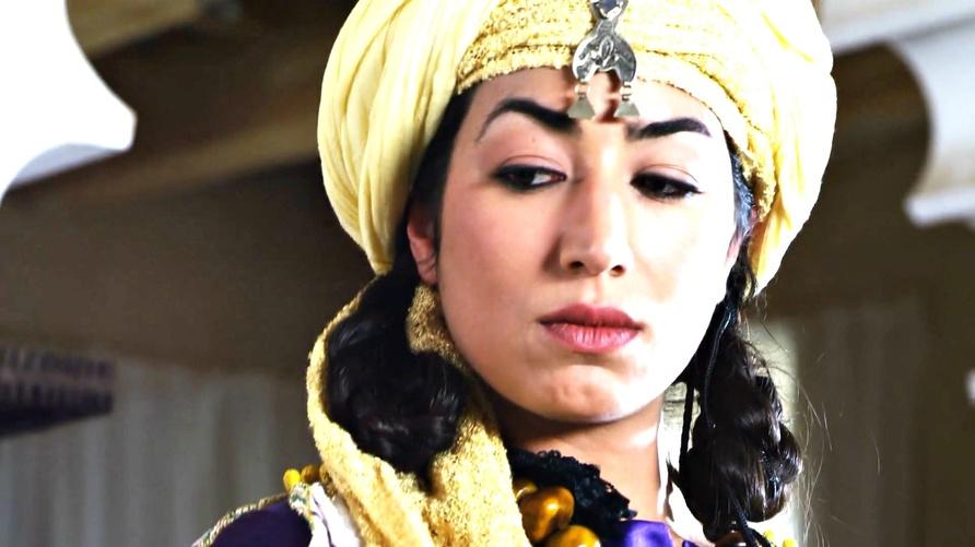 """الممثلة فاطم العياشي في دور زينب النفزاوية في فيلم """"زينب زهرة أغمات"""""""
