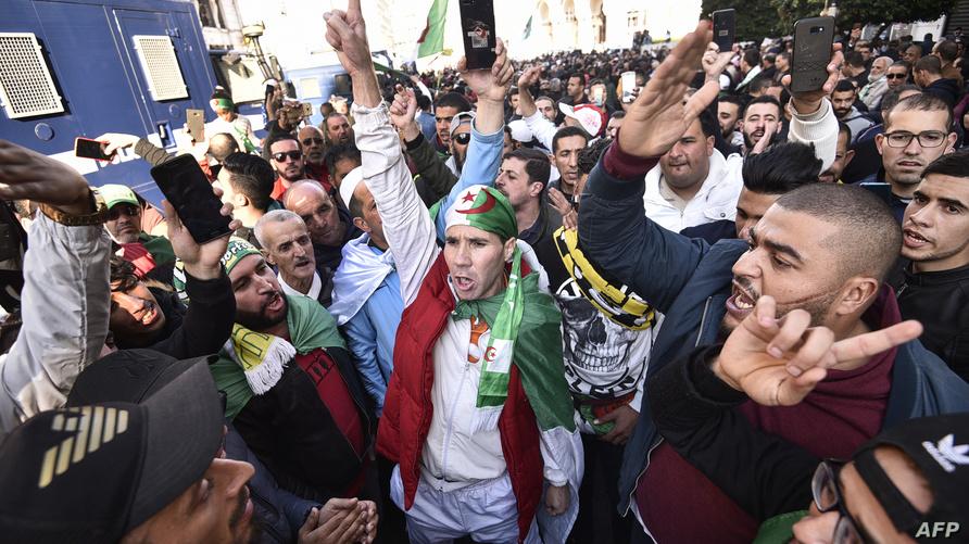 جانب من مظاهرات الجمعة بالجزائر