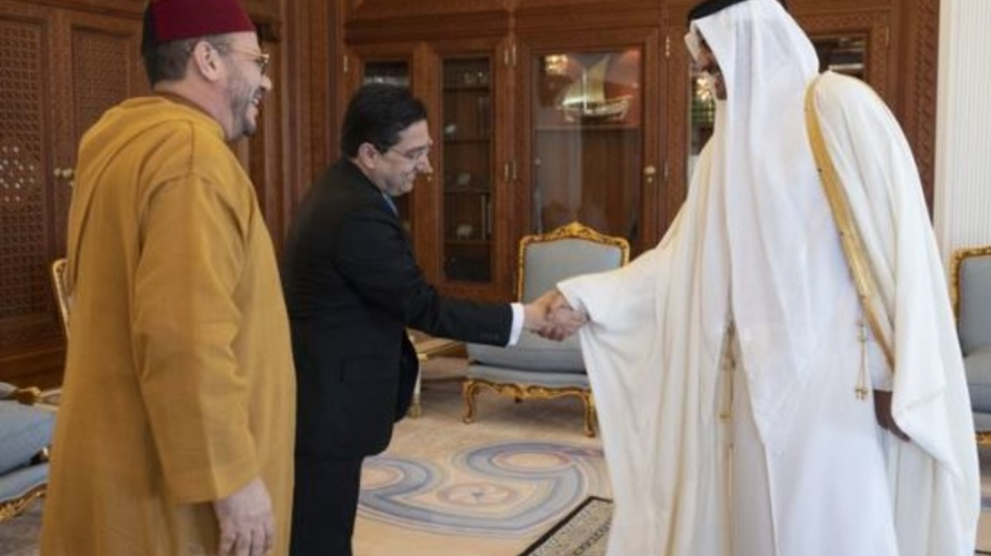 أمير قطر حمد بن خليفة مستقبِلا وزير خارجية المغرب ناصر بوريطة