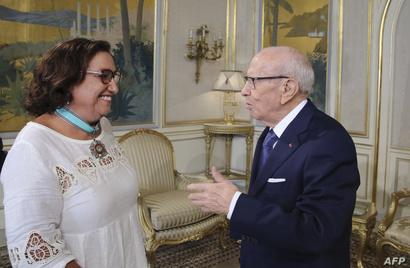 الرئيس السبسي مع بشرى بلحاج حميدة