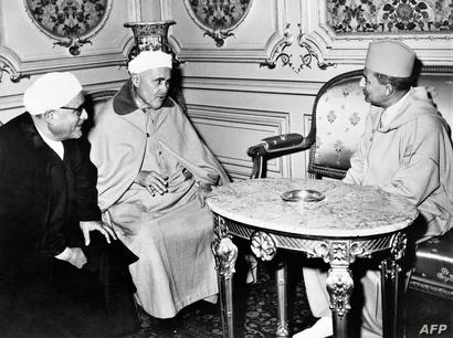 لقاء الخطابي والملك محمد الخامس عام 1960