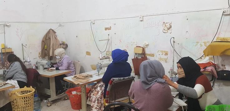 مصنع تونسي  لصناعة تحول لورشة لإنتاج الكمامات الطبية