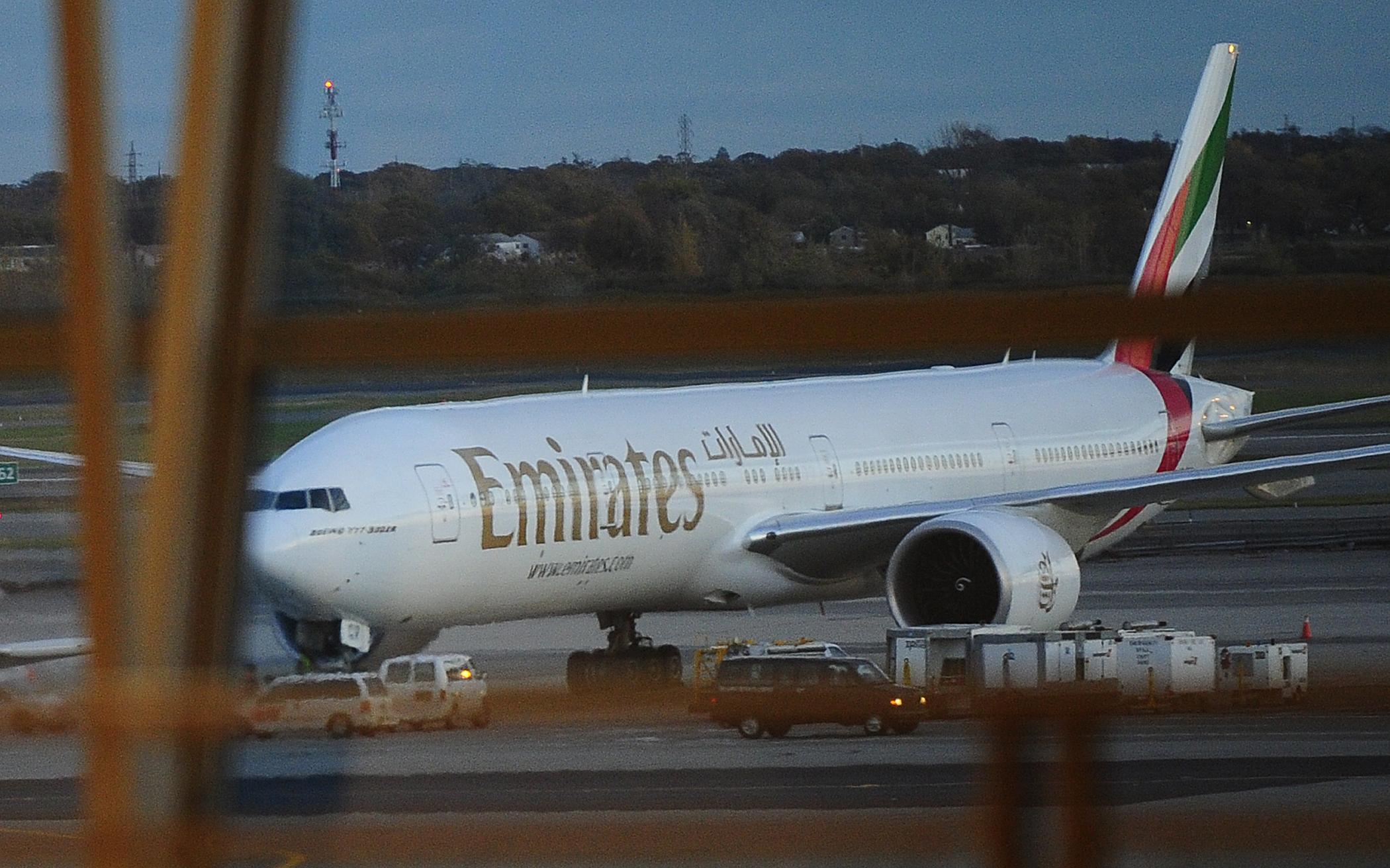 طائرة تابعة للخطوط الجوية الإماراتية