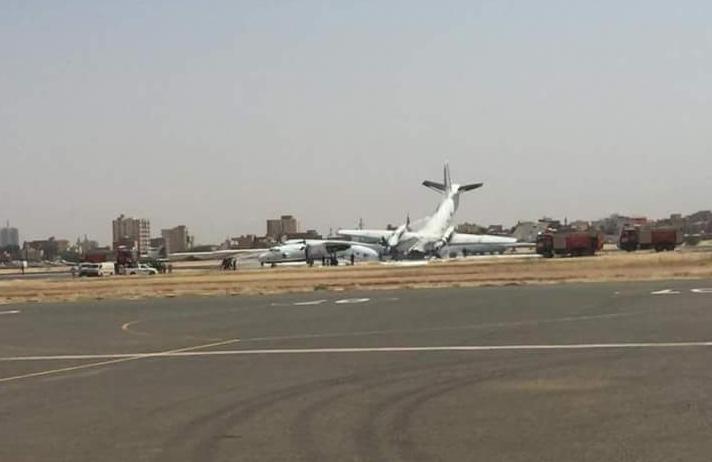 تصادم طائرتين في مطار الخرطوم